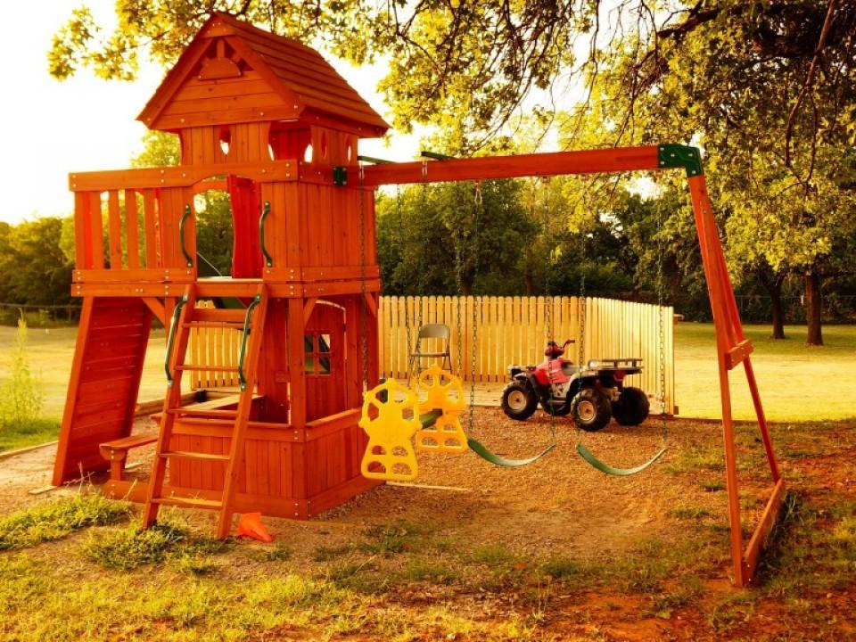 childrens-playground-979594_1920