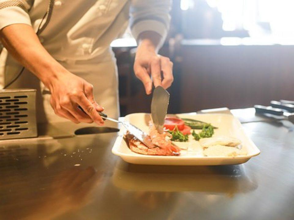 restaurant-1284351__340[1]